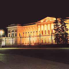 """фото """"Ночное безмолвие на площади Искусств."""""""