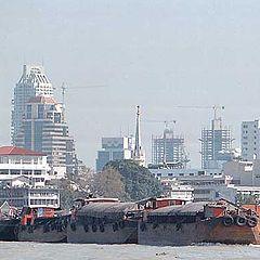 "фото ""Tug, Bangkok Skyline"""