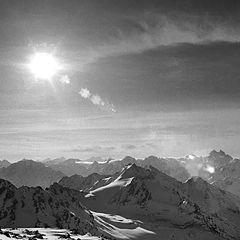"""фото """"взгляд со склона эльбруса на ГКХ утром 6 марта"""""""