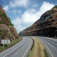 "фото ""Road through pass"""