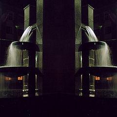 """фото """"Зеркальные миры 4. Улица, фонарь, фонтан..."""""""