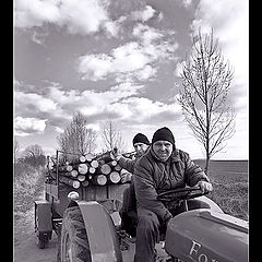 "фото ""I, Rudolf and ours tractor zn. Ford"""