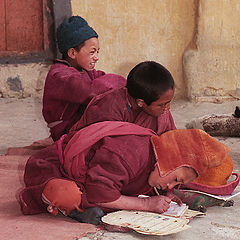 """фото """"Прилежный ученик или будущий Далай Лама?"""""""