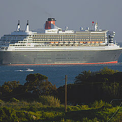 """photo """""""" Queen Mary 2 """""""""""