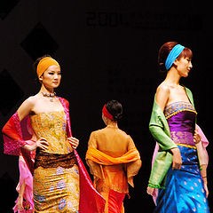 "photo ""2004 South East Asia International Fashion"""
