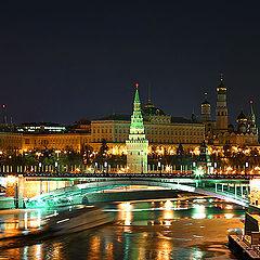 """фото """"Ночной Кремль и корабль-призрак:)"""""""
