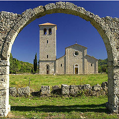"фото ""Abbey of Castel San Vincenzo"""