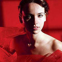 """фото """"портрет девушки с красной тряпочкой"""""""
