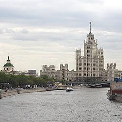"фото ""Stalin's Skyscraper"""