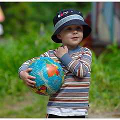 "фото ""All world in one hand"""