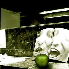 "photo ""Apple of discord"""