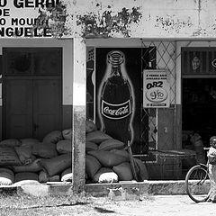 "фото ""Coke in Bushland, everywhere"""