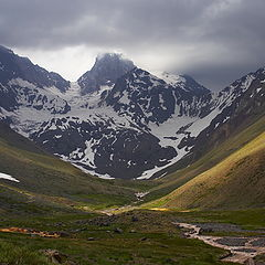 "фото ""Andes Mountains, El Morado mount."""