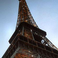 "photo ""Eiffel Tower Summer 2005"""