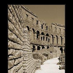 "photo ""Coliseum"""