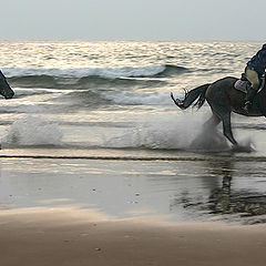 "фото ""Beach Riders - Llangennith, Wales"""