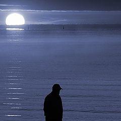 "фото ""Man over the sea"""