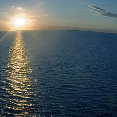 """photo """"Who said that the horizon is horizontal?"""""""