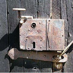 """фото """"Super door lock"""""""