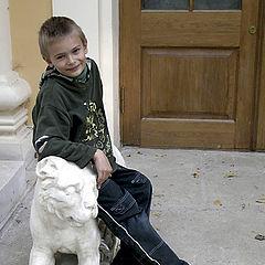 """фото """"мальчик на льве"""""""