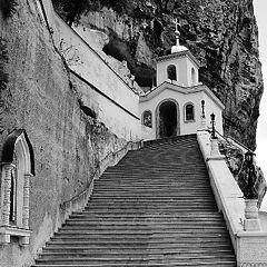 """фото """"Мужской монастырь внутри горы"""""""