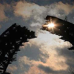 "фото ""Строится мост, скоро арка сомкнется..."""