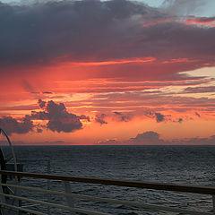 "фото ""Быстро темнеет на море..."""