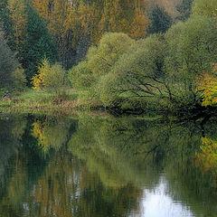"""фото """"С утра сидит на озере любитель рыболов"""""""