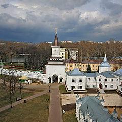 "photo ""Nikolo-Ugreshskiy monastery. A kind on an entrance gate."""