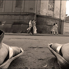 """фото """"через... ноги"""""""
