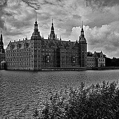 "photo ""Frederiksborg Castle"""