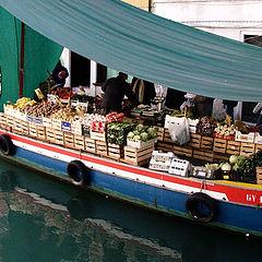 """photo """"Venize. Boat - shop"""""""