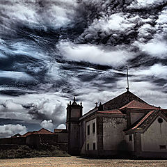 "фото ""Bad sky over the church"""