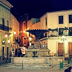 """photo """"Square in Guanajuato and an itch and the kiss."""""""