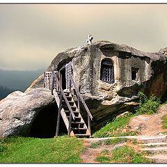 "photo ""house in rock"""
