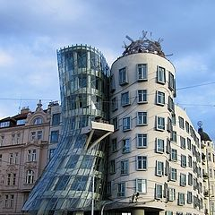 "photo ""dancing house..."""