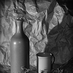 """фото """"Этюд с бутылкой, кружкой и колючей """"ботвой"""""""""""