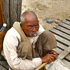 "photo ""Blind beggar"""