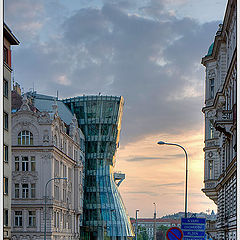 "photo ""Dancing house"""