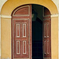 "photo ""and another door"""
