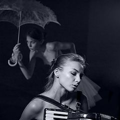"""фото """"Соло на аккордеоне в дождливую погоду.."""""""