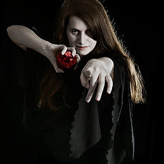 "photo ""Dark Sorceress"""