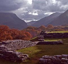 """фото """"Dolbadarn Castle - 80 feet above Llyn Padarn, North Wales"""""""