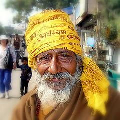 """фото """"чтец кришнаитских мантр на улицах Агры ."""""""
