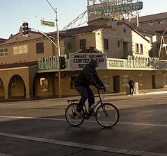 "фото ""Crossing fremont street"""