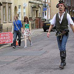 """фото """"Капитан в городе. Из серии """"Эти странные британцы""""."""""""