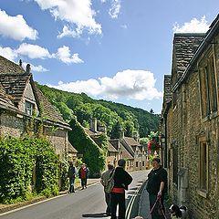 """фото """"Любовь к животным. Прогулка в деревне  Castle Combe."""""""