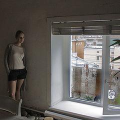 """фото """"О чем она думает... , Девушка у  окна.?"""""""