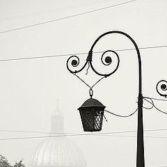 """фото """"Городской этюд с дымом, куполом и фонарем"""""""