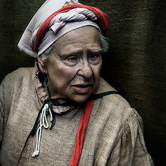 "photo ""Old woman with wool"""